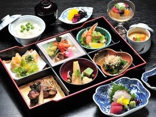 松花堂弁当でお昼に宴会の画像