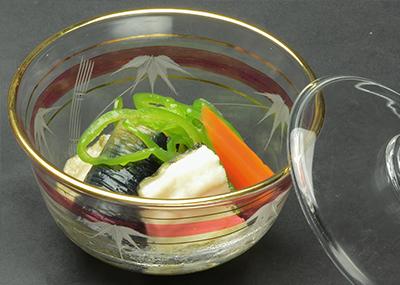 白焼き穴子と季節の大阪野菜の炊き物の画像