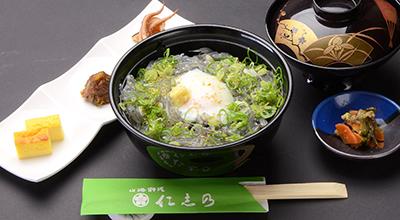 生シラス丼定食の画像